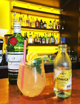 bar chiasso _ coktail gin